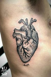 tattoo corazon para hombres 5 200x300