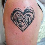 tattoo corazones negros 2 150x150