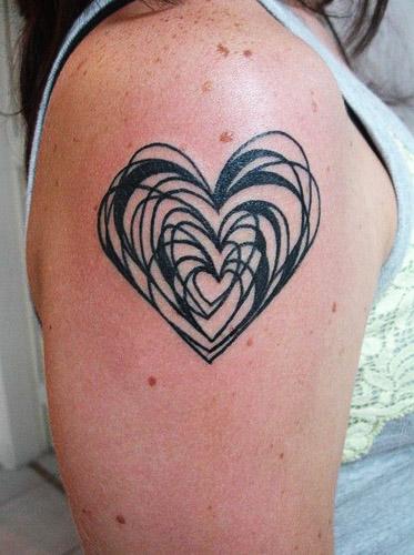 tattoo corazones negros 2 - tatuajes de corazones