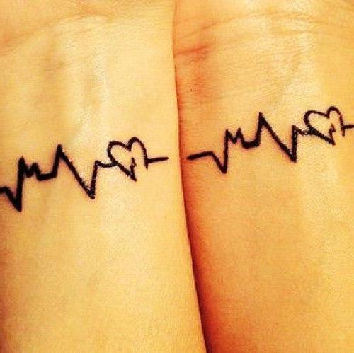 tattoo parejas corazones 5 - tatuajes de corazones