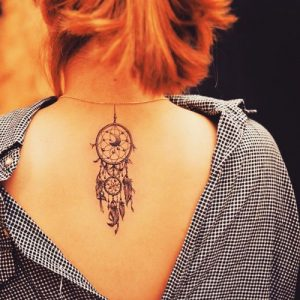 tatuajes atrapasueños espalda 1 300x300