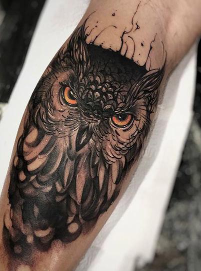 tatuajes buhos lechuzas hombre brazo tattoo 2 - tatuajes de búhos