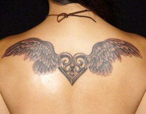 tatuajes corazones alas 3 300x235