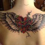 tatuajes corazones alas 4 150x150
