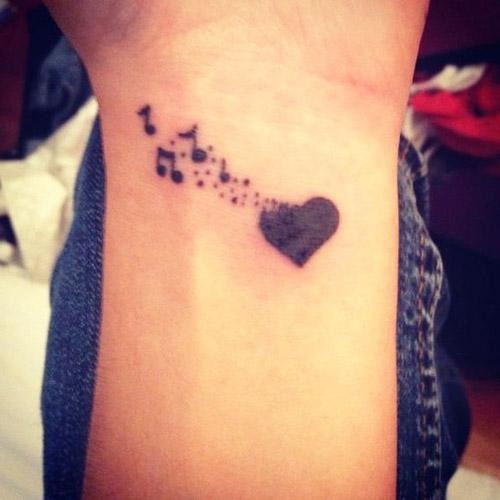 tatuajes corazones muñeca 1 - tatuajes de corazones