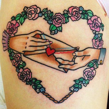 tatuajes-corazones-rosas (1)