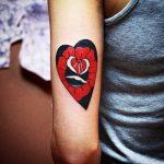 tatuajes corazones rosas 3 150x150