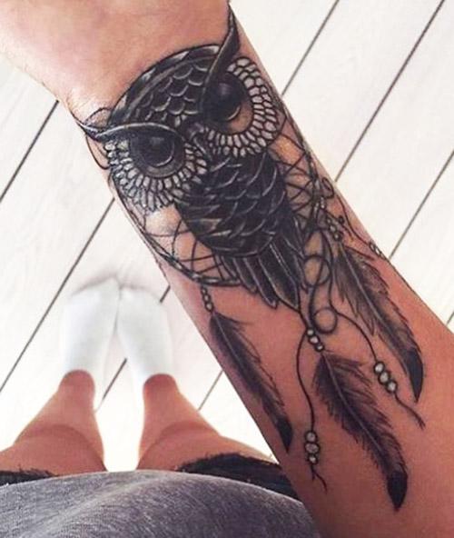 tatuajes de buhos en la muñeca tattoo