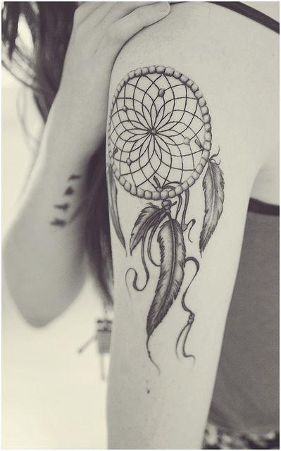 tatuajes femeninos atrapasueños