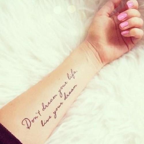 50 elegantes tatuajes para mujeres delicadas tatuajes geniales. Black Bedroom Furniture Sets. Home Design Ideas