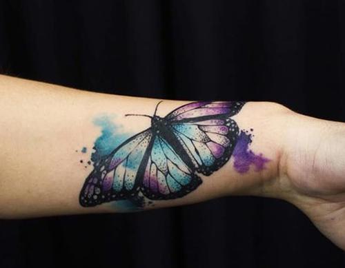 mejores tatuajes de mariposas para mujeres 4