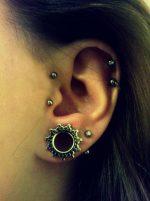 piercing-tragus-vertical (1)