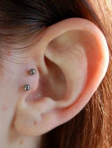 piercing tragus vertical 4 227x300
