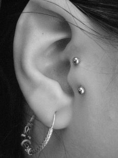 piercing-tragus-vertical (6)