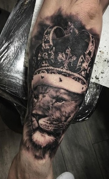 tattoo leones corona 3 - leones