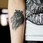 tattoo leones corona 5 150x150