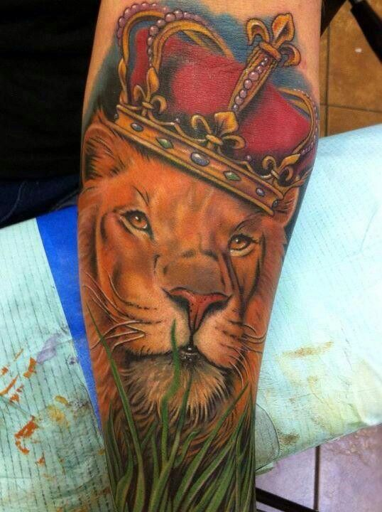 tattoo leones corona 6 - leones