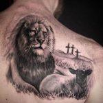 tattoo leones espalda 5 150x150