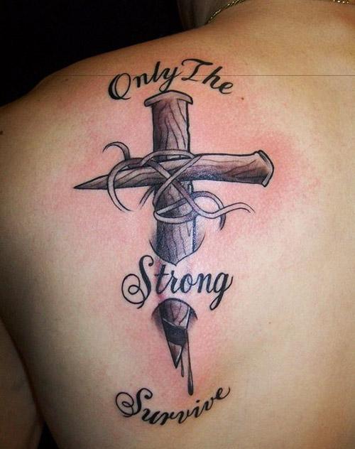 tatuajes cruces para hombres 7