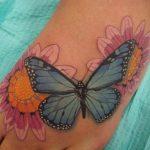 tatuajes mariposas con flores 1 150x150