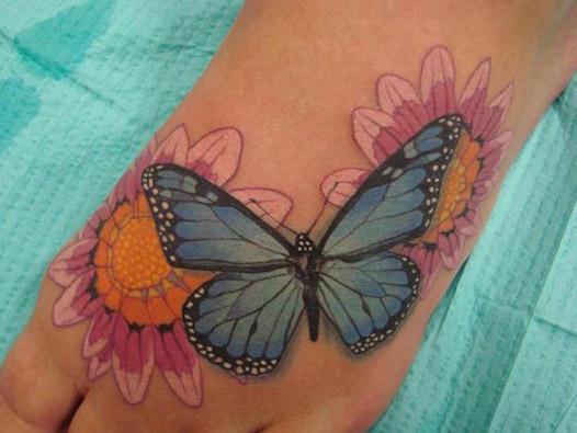 tatuajes mariposas con flores 1 - tatuajes de mariposas