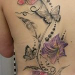 tatuajes mariposas con flores 2 150x150