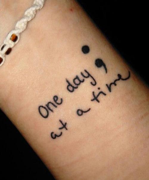 tatuajes punto coma significado 18