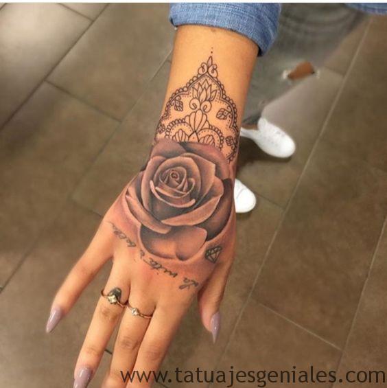 tattoo rosas mano 3