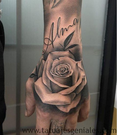 tattoo rosas mano 5