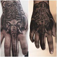 de elefantes en la mano 7 - tatuajes de elefantes