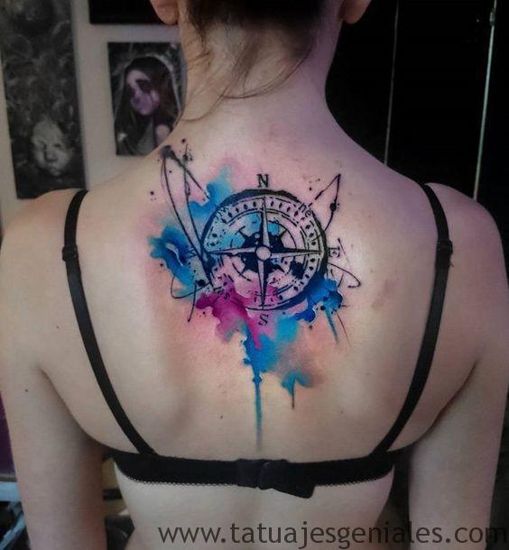 tattoo rosa nautica espalda 1