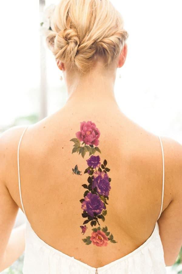 tatuajes de flores en la espalda 10