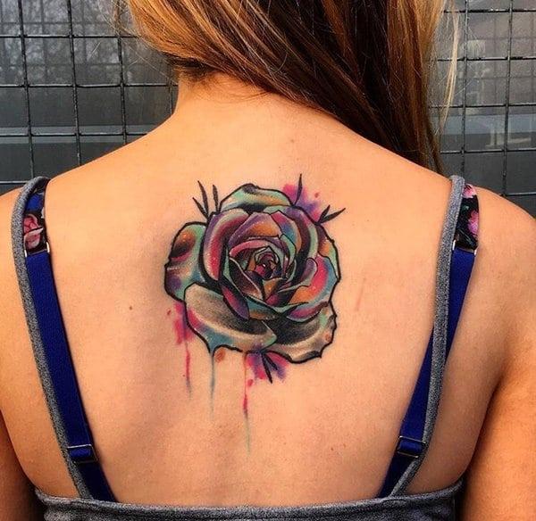 tatuajes de flores en la espalda 15