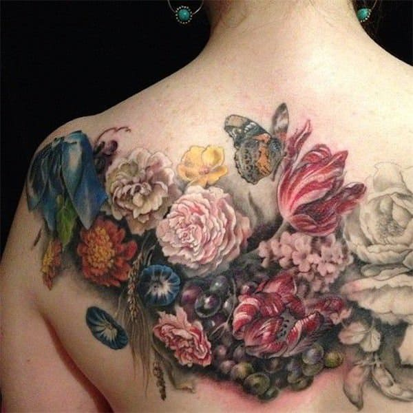 tatuajes de flores en la espalda 3