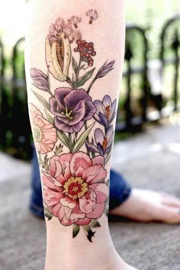tatuajes de flores en la pierna 4