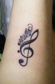 tatuajes de letras musicales 2 179x276 -