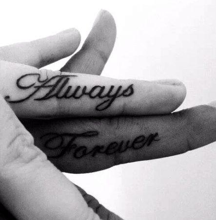 tatuajes de parejas muy enamoradas 5 443x452 -