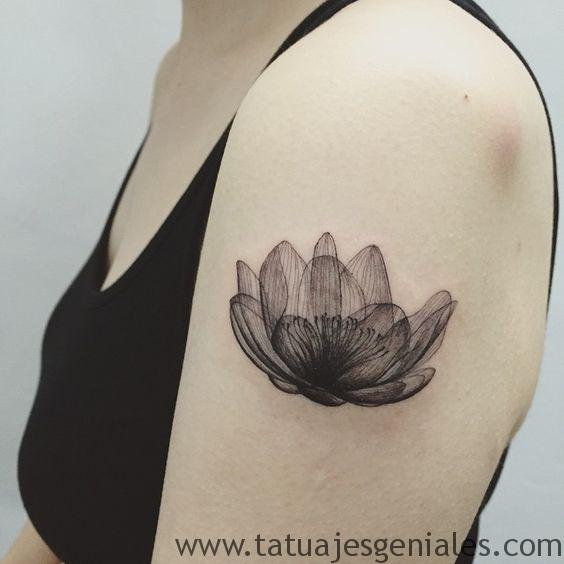 tatuajes flor loto brazo 3