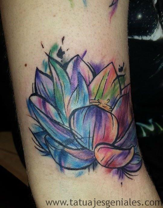 Tatuajes Flor de Loto para el Brazo