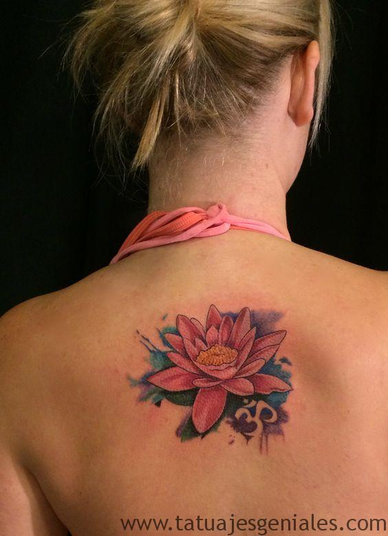 tatuajes flor loto mujeres 1