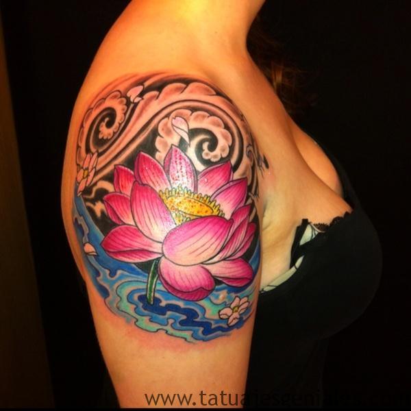 tatuajes flor loto mujeres 10