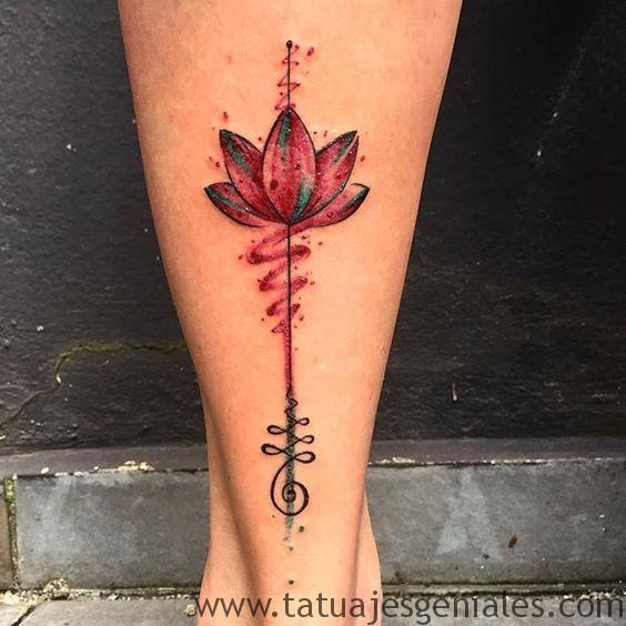 tatuajes flor loto mujeres 2