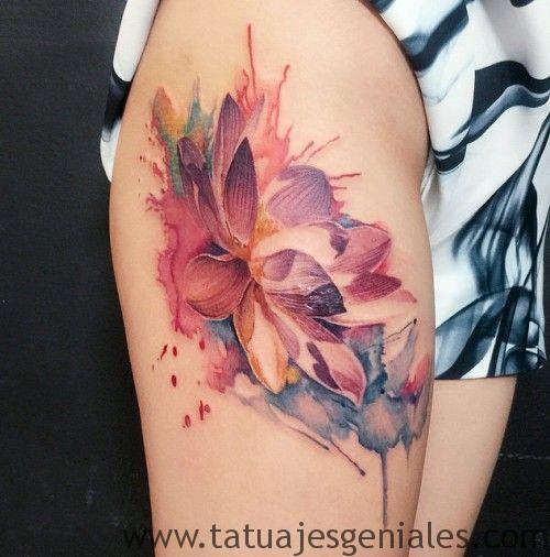 tatuajes flor loto mujeres 3