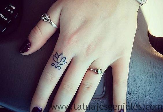 tatuajes flor loto tribal 3