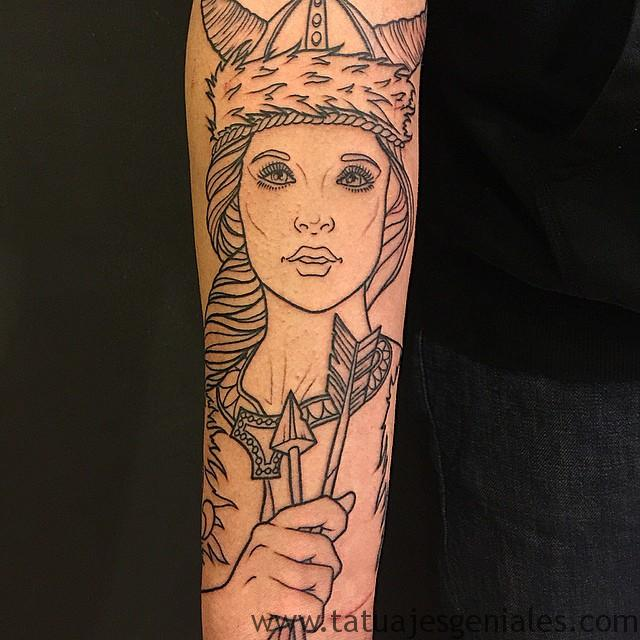 tatuajes mujeres vikingas 3