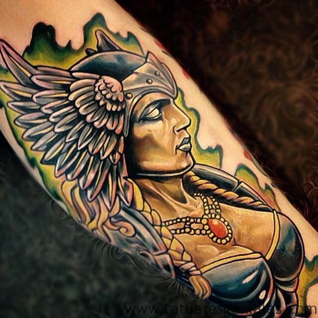 tatuajes mujeres vikingas 7