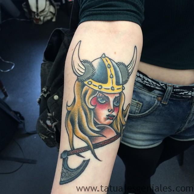 tatuajes vikingos mujeres 4