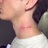 frases en el cuello hombres 4 165x165