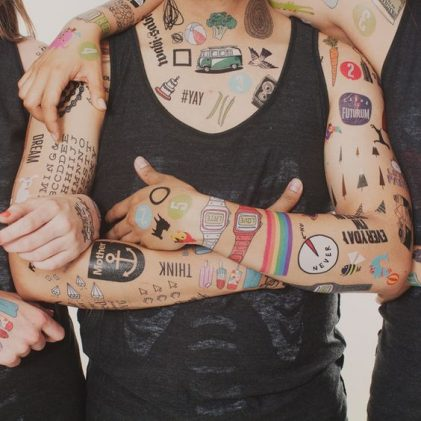 tatuajes temporal hombre 1 421x421