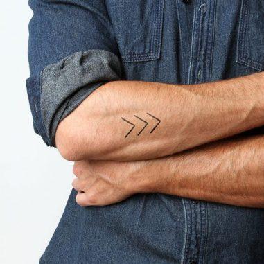 tatuajes temporal hombre 6 381x381